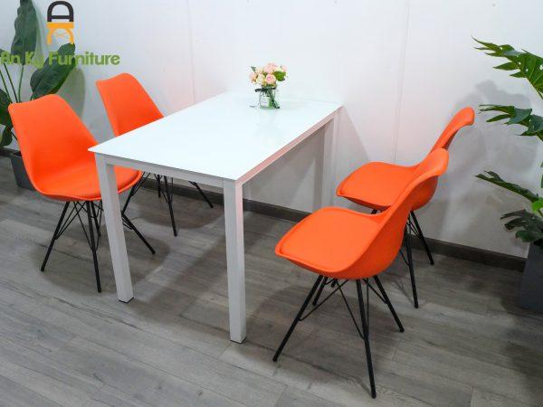 Combo bàn ăn eames ME08 dành cho 1 bàn 4 ghế của Nội Thất An Kỳ