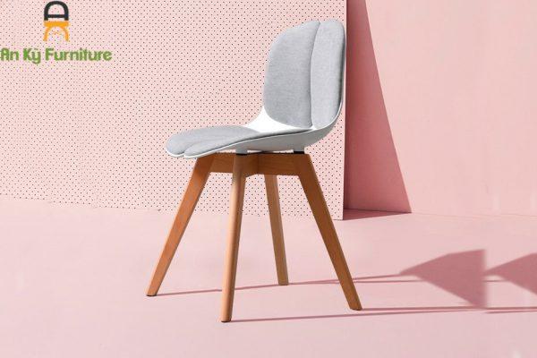Ghế Cafe Thea Chair của Nội Thất An Kỳ , chân gỗ sồi , mặt nệm vải bố