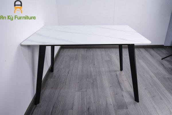 Bàn Aster T252-12 với kích thước 80x120 chân gỗ beech mặt đá thiêu kết của Nội Thất An Kỳ - AnKyFurni.vn