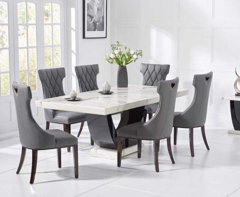 Bộ bàn ăn hiện đại, hài hoà với căn phòng