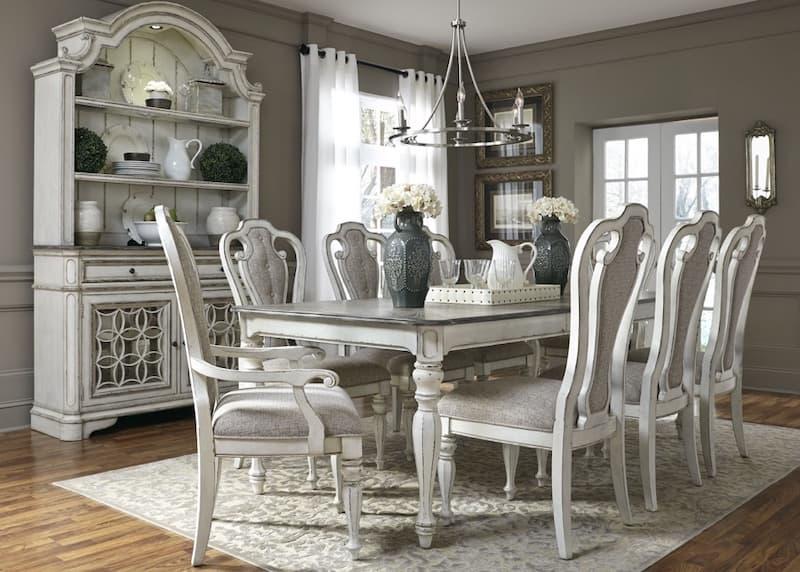 Bộ bàn ăn màu xám bạc vô cùng sang trọng