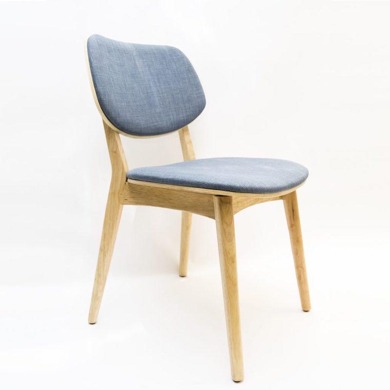 Ghế gỗ cao su có nệm bọc vải
