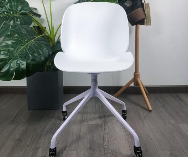Mẫu ghế nhựa trắng cho quán cà phê