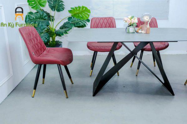 Combo Bàn Ăn Adela117 Của Nội Thất An Kỳ - Ankyfurni với chất liệu chân sắt sơn tĩnh điện , mặt đá thiêu kết , mặt nệm ghế bọc vải simili