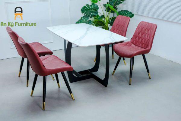 Combo bàn ăn keva117 của nội thất an kỳ với chất liệu chân sắt sơn tĩnh điện , mặt đá thiêu kết