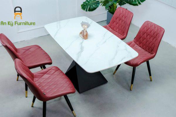Combo bàn ăn Olwen117 của Nội Thất An Kỳ với chất liệu chân sắt sơn tĩnh điện , mặt đá thiêu kết