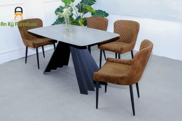Combo bàn ăn Audrey375 của Nội Thất An Kỳ với chất liệu chân sắt sơn tĩnh điện , vải da lộn