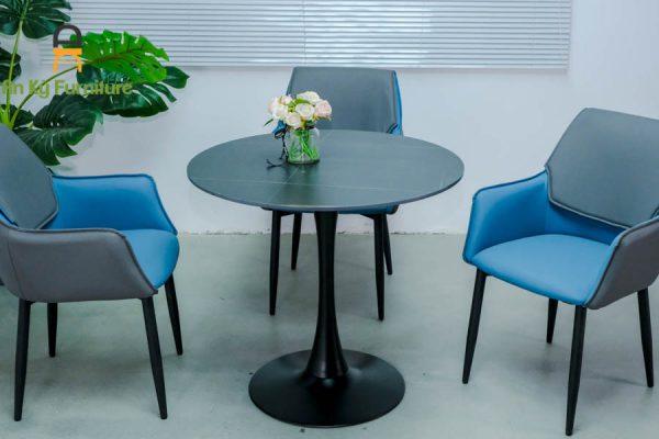 Bàn Cafe Tulip-TK của Nội Thất An Kỳ với chất liệu chân sắt sơn tĩnh điện mặt đá thiêu kết