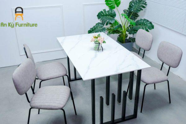 Combo Bàn Ăn Ula337 Của Nội Thất An Kỳ - Ankyfurni với chất liệu chân sắt sơn tĩnh điện , nệm ghế simili