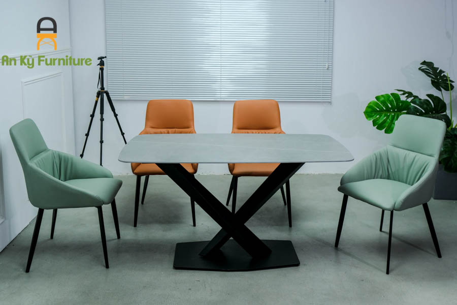 Bộ Bàn Ăn Stratos131 Mặt Đá Thiêu Kết dành cho 1 bàn 4 ghế