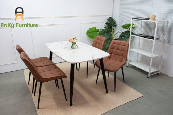 Combo bàn ăn Aster191 dành cho 1 bàn 4 người với chất liệu mặt bàn đá cẩm thạch , chân sắt sơn tĩnh điện , mặt ghế bọc vải da simili