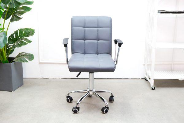 Ghế Làm Việc Văn Phòng JB-1064X Của nội thất An Kỳ với chân xoay mặt ghế bọc vải simili