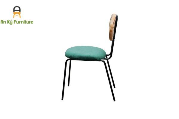 Ghế Cafe Maris 198 Của Nội Thất An Kỳ - Ankyfurni với chất liệu nệm vải nhung cao cấp , lưng lưới gỗ mây sang trọng