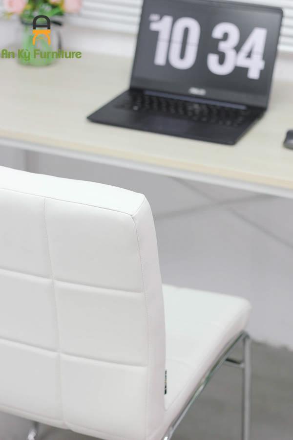 Ghế Làm Việc Tiếp Khách JS-239 của Nội Thất An Kỳ - Ankyfurni với chất liệu chân sắt xi mạ nệm vải simili cao cấp